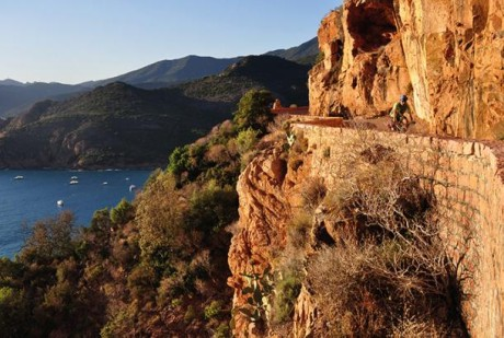 Korsika_cyklo_Les Calanches_Michaela Poborská